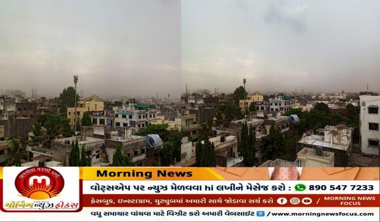 સુરત : વાવાઝોડાની અસરને પગલે જોરદાર પવન સાથે ધૂળની ડમરીઓ ઉડી : વરસાદી છાંટા પડ્યા, જુઓ વિડીયો
